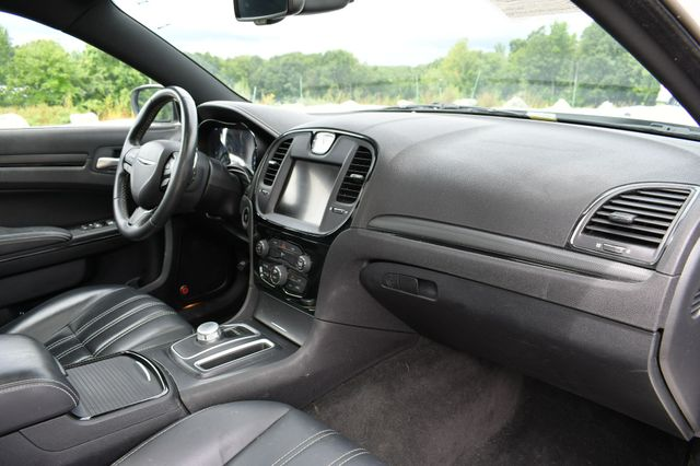 2016 Chrysler 300 300S Naugatuck, Connecticut 11