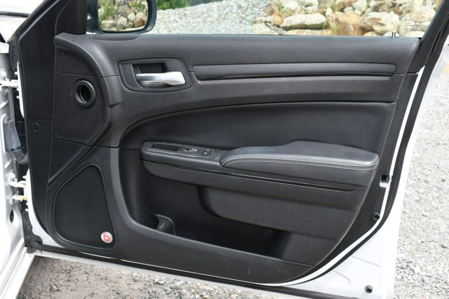 2016 Chrysler 300 300S Naugatuck, Connecticut 12