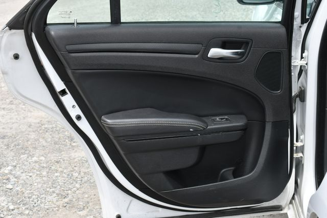 2016 Chrysler 300 300S Naugatuck, Connecticut 14