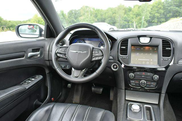 2016 Chrysler 300 300S Naugatuck, Connecticut 17