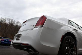 2016 Chrysler 300 300S Waterbury, Connecticut 10