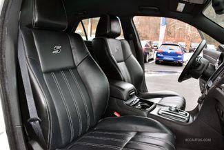 2016 Chrysler 300 300S Waterbury, Connecticut 17