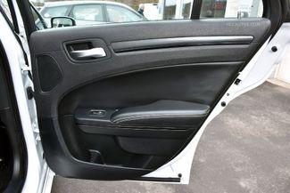 2016 Chrysler 300 300S Waterbury, Connecticut 22