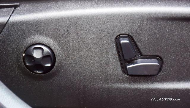 2016 Chrysler 300 300C Platinum Waterbury, Connecticut 19