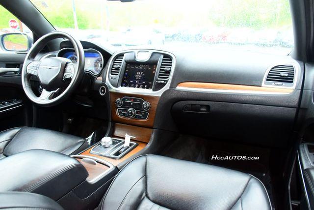 2016 Chrysler 300 300C Platinum Waterbury, Connecticut 17