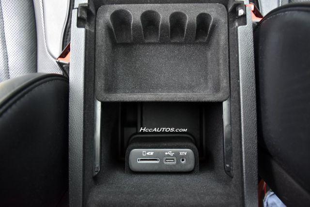 2016 Chrysler 300 300C Platinum Waterbury, Connecticut 34