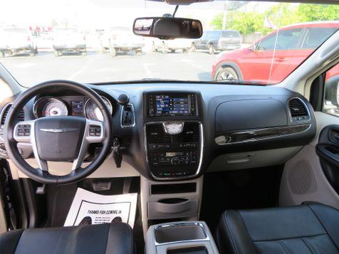 2016 Chrysler Town & Country Touring | Abilene, Texas | Freedom Motors  in Abilene, Texas