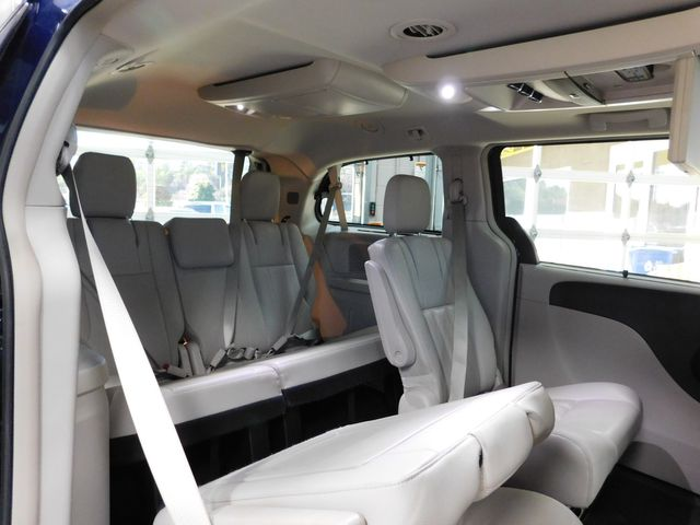 2016 Chrysler Town & Country Touring-L Anniversary Edition in Airport Motor Mile ( Metro Knoxville ), TN 37777