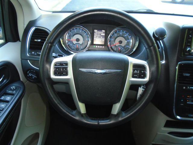 2016 Chrysler Town & Country Touring in Alpharetta, GA 30004
