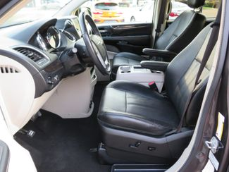 2016 Chrysler Town & Country Touring Batesville, Mississippi 19