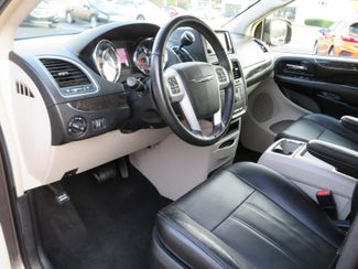 2016 Chrysler Town & Country Touring Batesville, Mississippi 20
