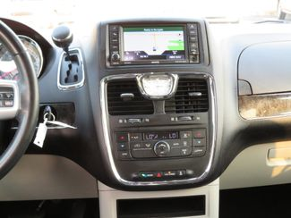 2016 Chrysler Town & Country Touring Batesville, Mississippi 23