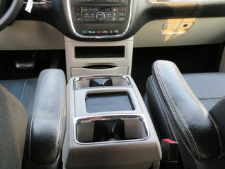 2016 Chrysler Town & Country Touring Batesville, Mississippi 26