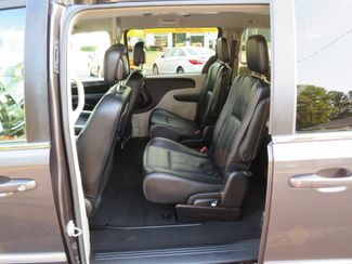 2016 Chrysler Town & Country Touring Batesville, Mississippi 27
