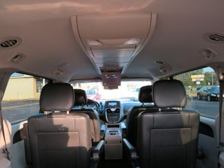 2016 Chrysler Town & Country Touring Batesville, Mississippi 31