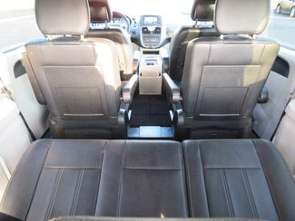 2016 Chrysler Town & Country Touring Batesville, Mississippi 32
