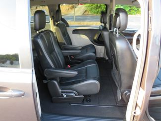 2016 Chrysler Town & Country Touring Batesville, Mississippi 36
