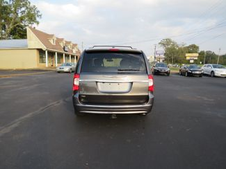 2016 Chrysler Town & Country Touring Batesville, Mississippi 5