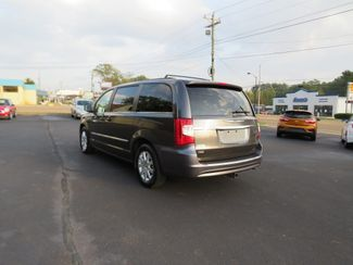2016 Chrysler Town & Country Touring Batesville, Mississippi 6
