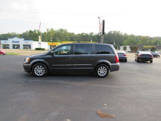 2016 Chrysler Town & Country Touring Batesville, Mississippi 1