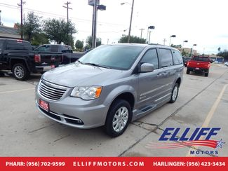 2016 Chrysler Town & Country BraunAbility Touring in Harlingen, TX 78550