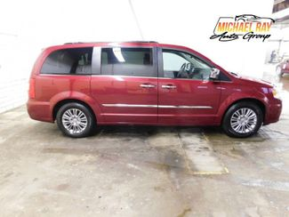 2016 Chrysler Town & Country Touring-L Anniversary Edition in Cleveland , OH 44111