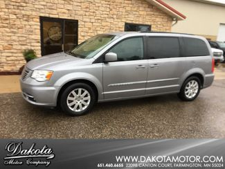 2016 Chrysler Town & Country Touring Farmington, MN 0