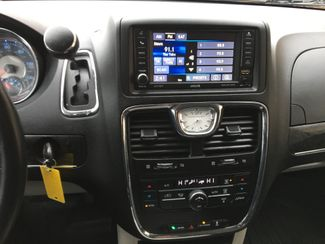 2016 Chrysler Town & Country Touring Farmington, MN 6