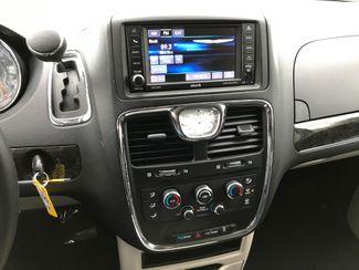 2016 Chrysler Town & Country LX Farmington, MN 5