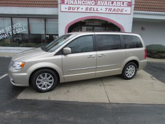2016 Chrysler Town & Country Touring in Fremont, OH 43420