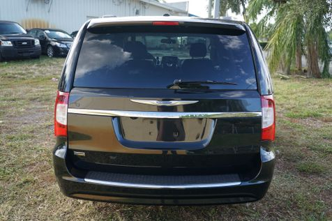 2016 Chrysler Town & Country Touring in Lighthouse Point, FL