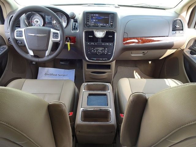 2016 Chrysler Town & Country Touring Madison, NC 36