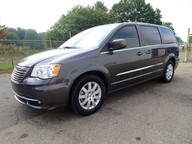 2016 Chrysler Town & Country Touring Madison, NC 6