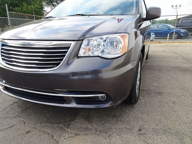2016 Chrysler Town & Country Touring Madison, NC 9
