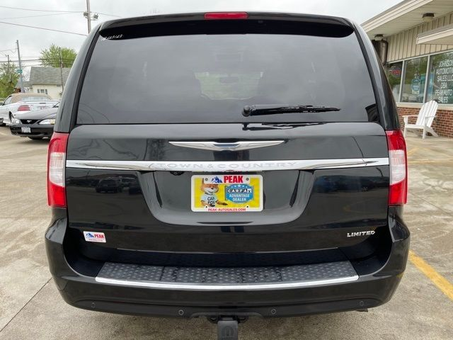 2016 Chrysler Town & Country Limited in Medina, OHIO 44256