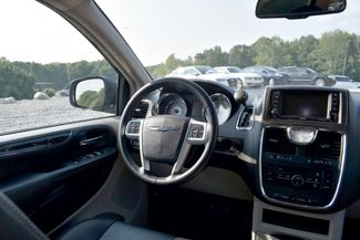 2016 Chrysler Town & Country Touring Naugatuck, Connecticut 14