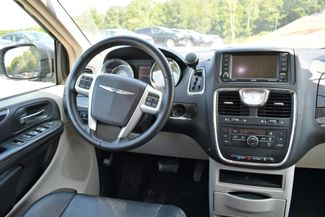 2016 Chrysler Town & Country Touring Naugatuck, Connecticut 13