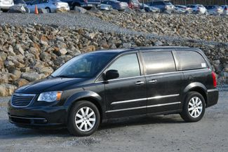 2016 Chrysler Town & Country Touring Naugatuck, Connecticut 0