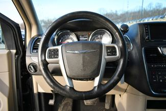 2016 Chrysler Town & Country Touring Naugatuck, Connecticut 2