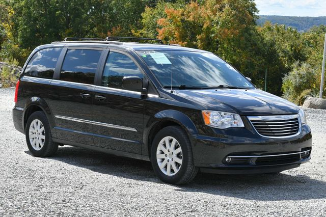 2016 Chrysler Town & Country Touring Naugatuck, Connecticut 6