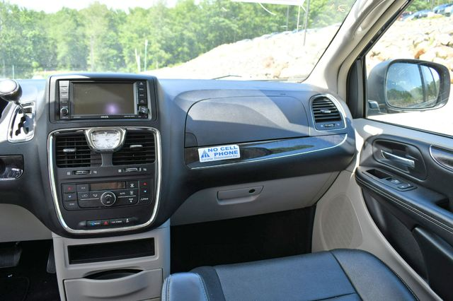 2016 Chrysler Town & Country Touring Naugatuck, Connecticut 19