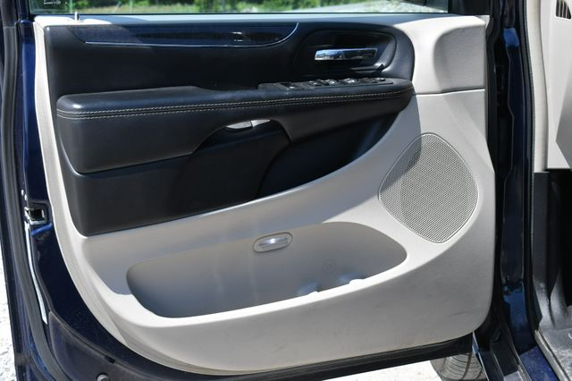 2016 Chrysler Town & Country Touring Naugatuck, Connecticut 20