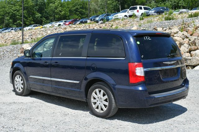 2016 Chrysler Town & Country Touring Naugatuck, Connecticut 4