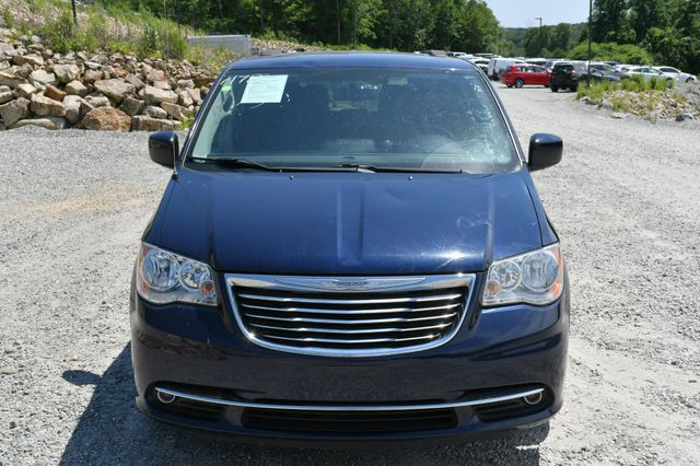 2016 Chrysler Town & Country Touring Naugatuck, Connecticut 9