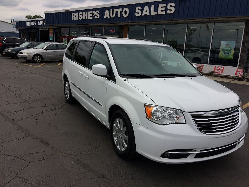 2016 Chrysler Town & Country Touring | Rishe's Import Center in Ogdensburg New York