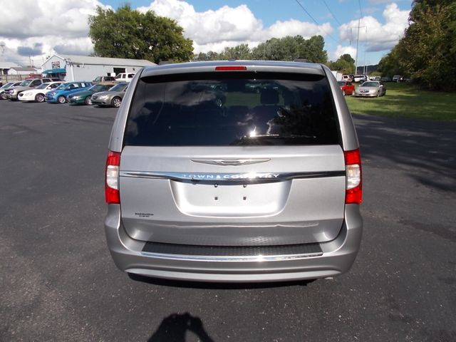 2016 Chrysler Town & Country Touring Shelbyville, TN 13