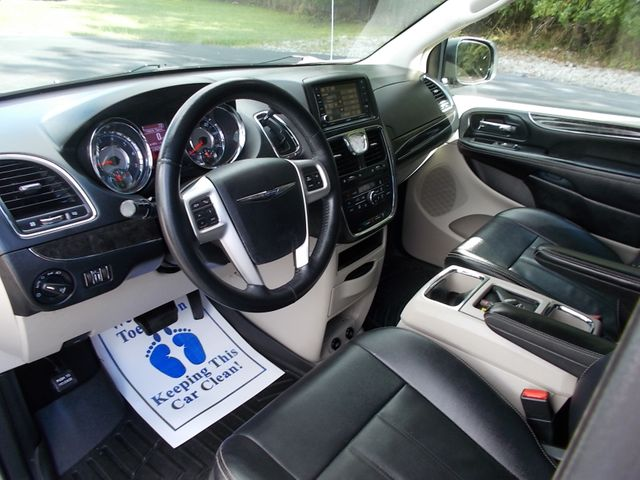 2016 Chrysler Town & Country Touring Shelbyville, TN 27