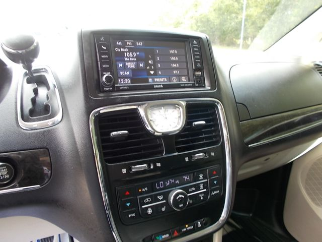 2016 Chrysler Town & Country Touring Shelbyville, TN 31
