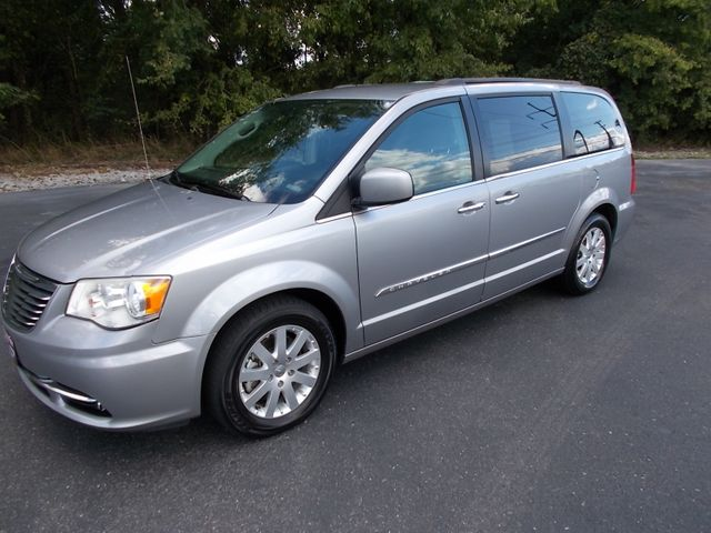 2016 Chrysler Town & Country Touring Shelbyville, TN 6