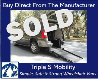 2016 Chrysler Town & Country Touring Wheelchair Van Handicap Ramp Van Pinellas Park, Florida 0